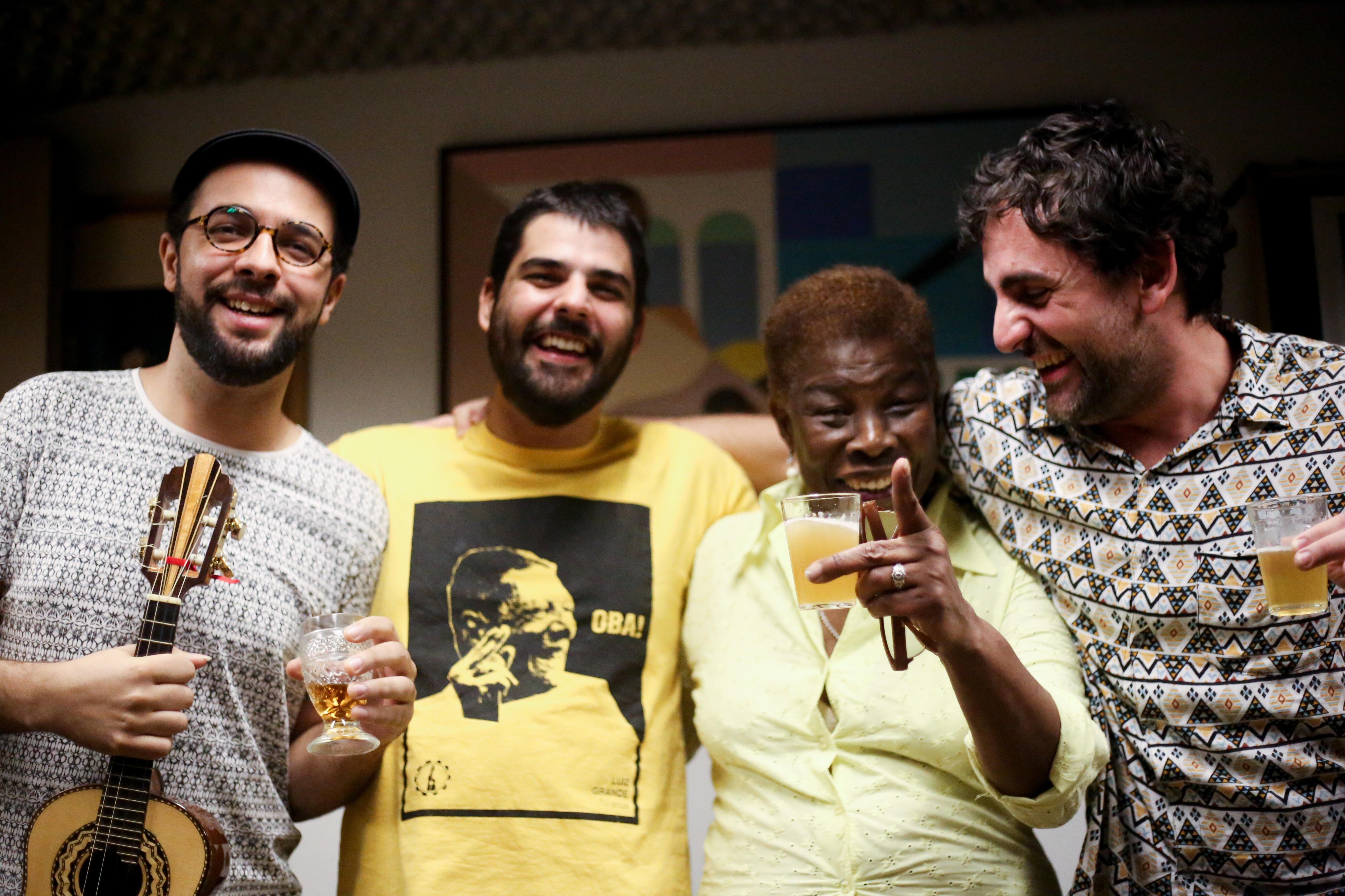 Geovana e Coletivo se apresentam na Casa Barbosa, em São Paulo